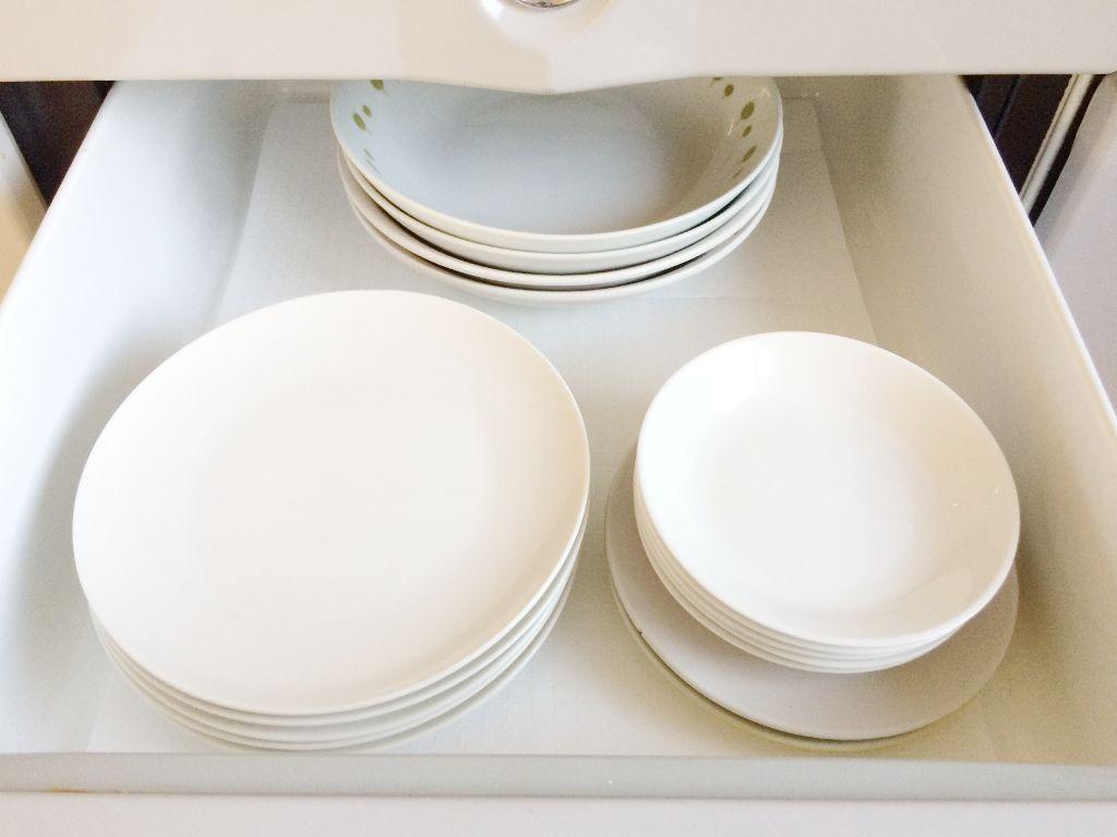 使用頻度が高いお皿を収納